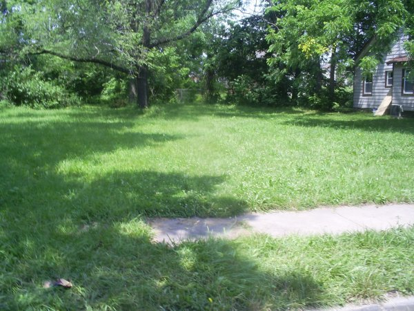 2: Kansas City Residential Property with all utilities.