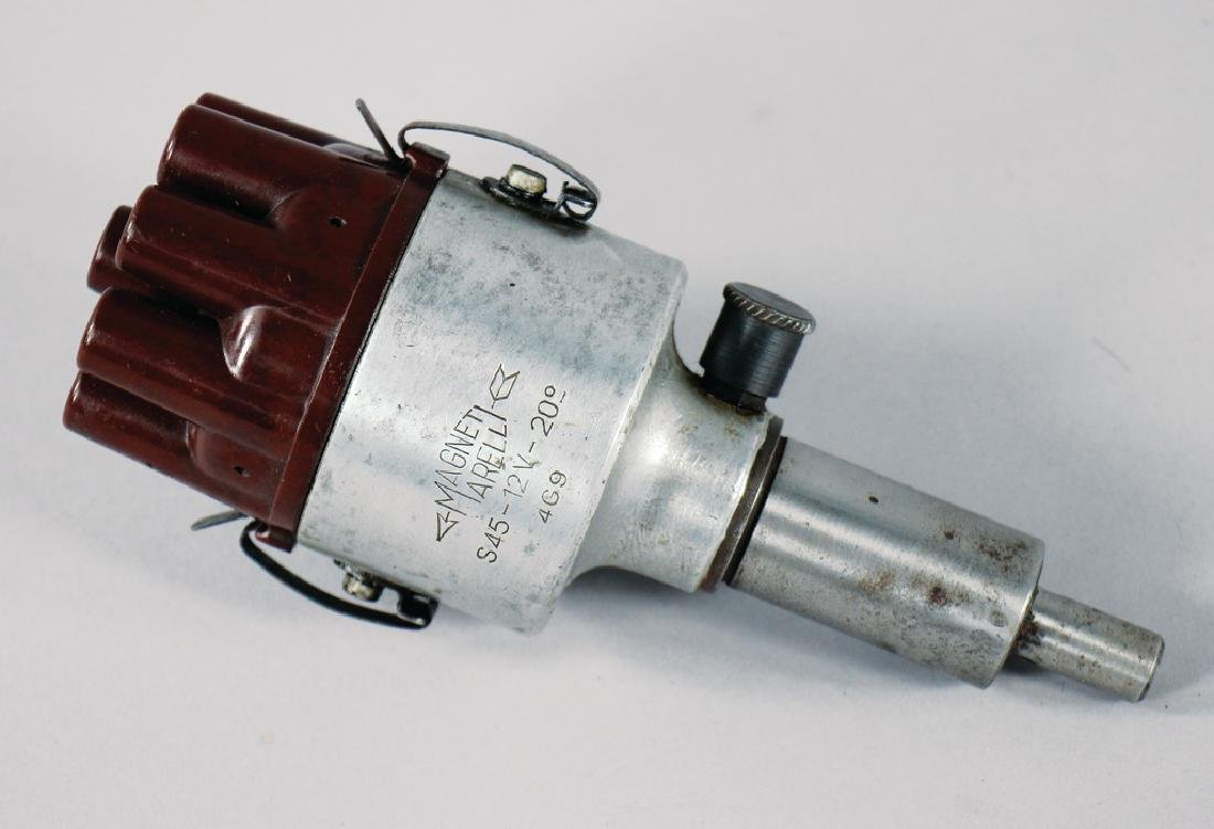 MAGNETI MARELLI ignition distributor for eight-cylinder