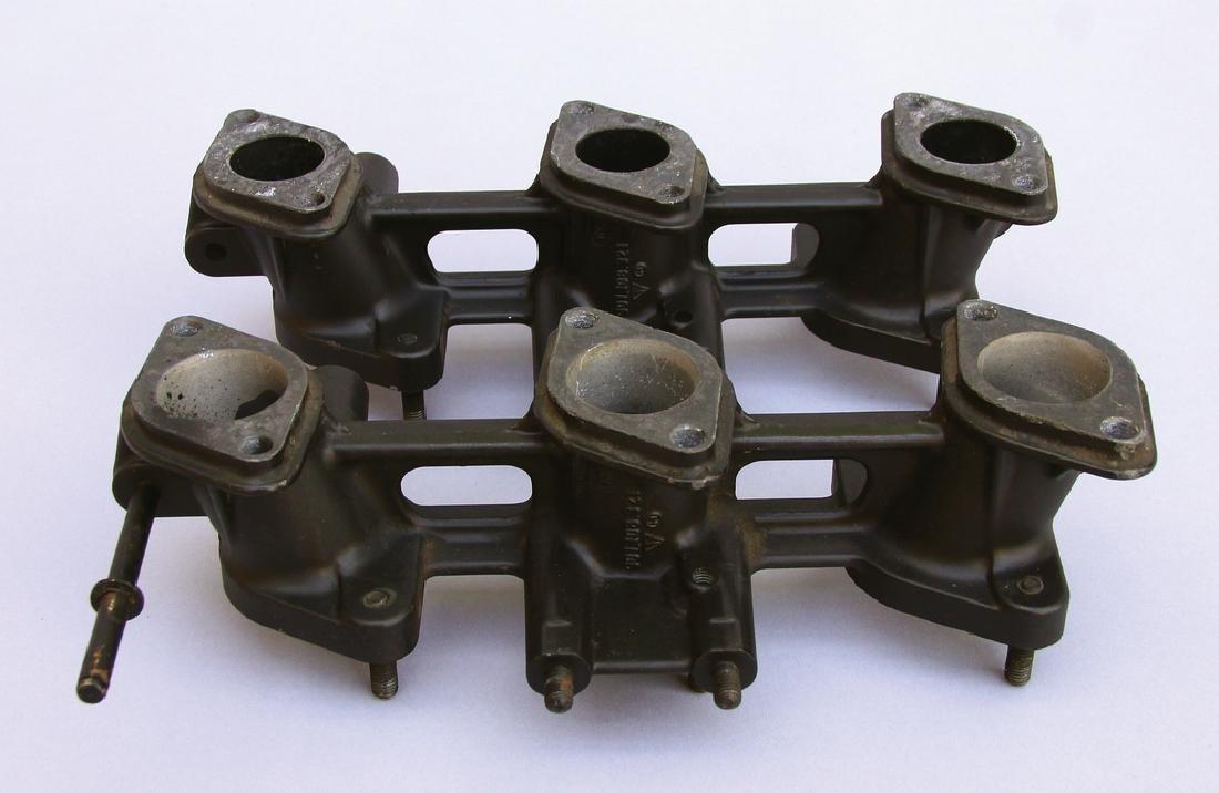 PORSCHE 2 intake manifolds for Porsche 911, part number