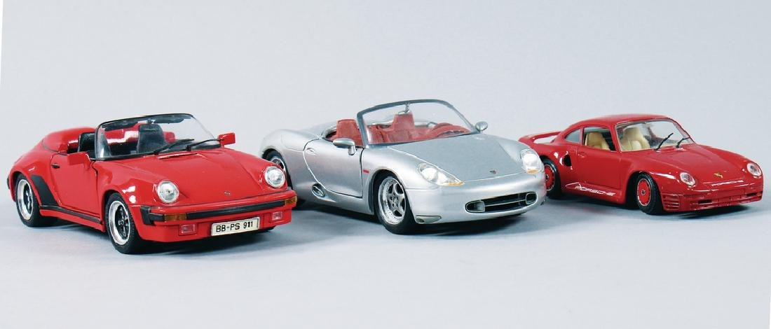 mixed lot with 3 pieces, model cars, among it Porsche