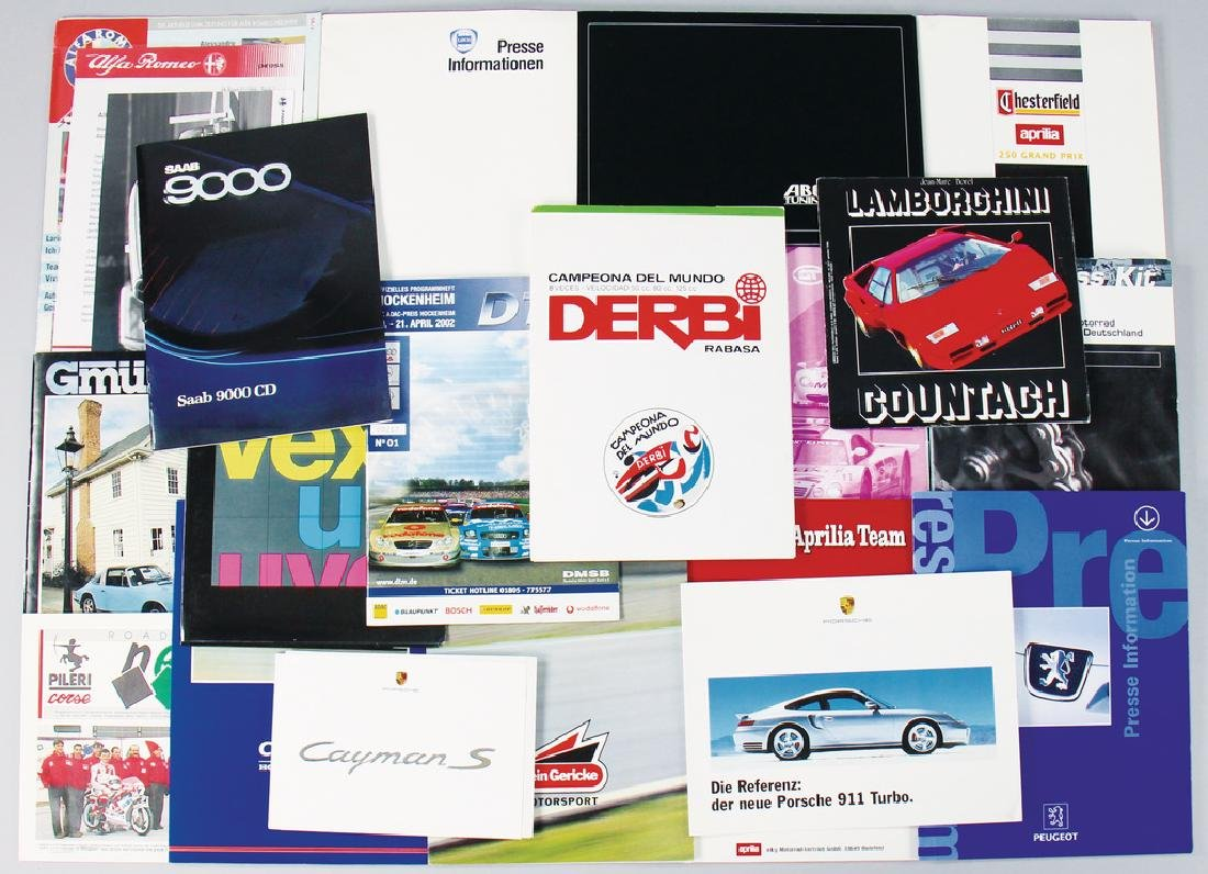 mixed lot with 18 pieces, among it press kit FIA-GT