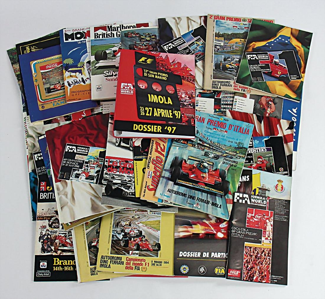 mixed lot with 100 issues programmes FIA/Formula 1
