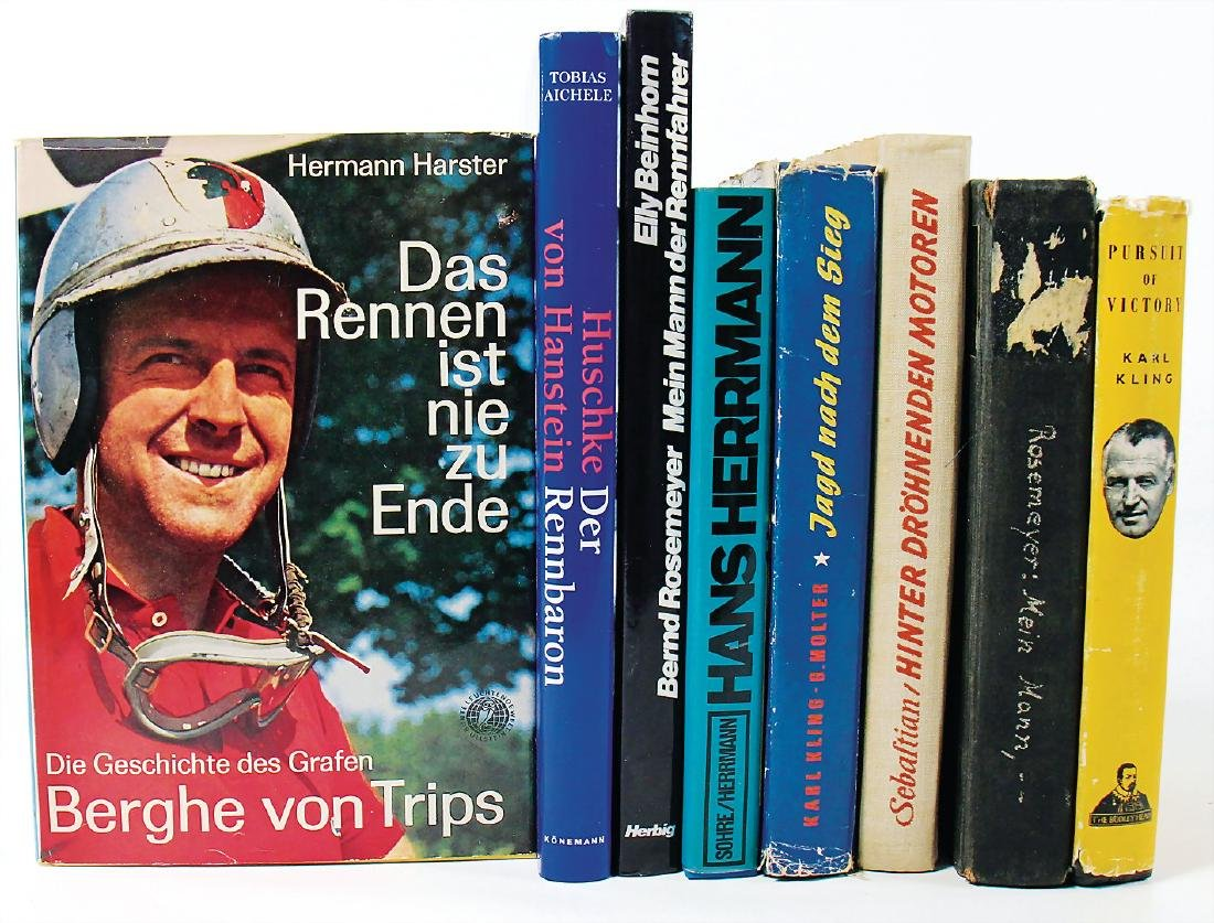 """mixed lot with 8 pieces, books, among it """"Pursuit of"""
