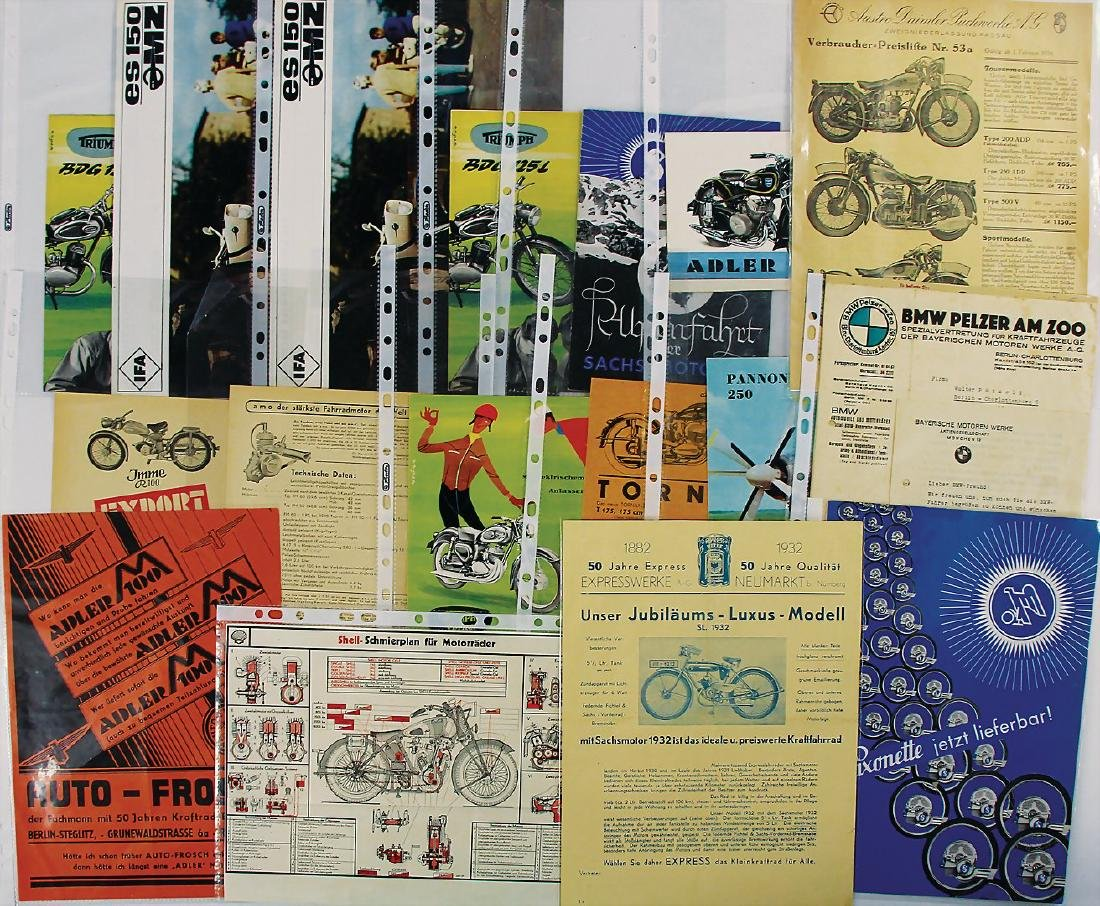 mixed lot with 16 pieces, among it sales brochures
