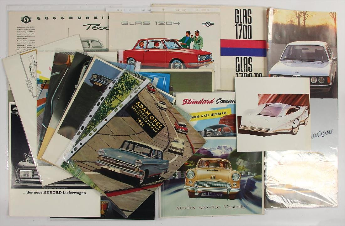 mixed lot with 21 pieces, among it sales brochures by