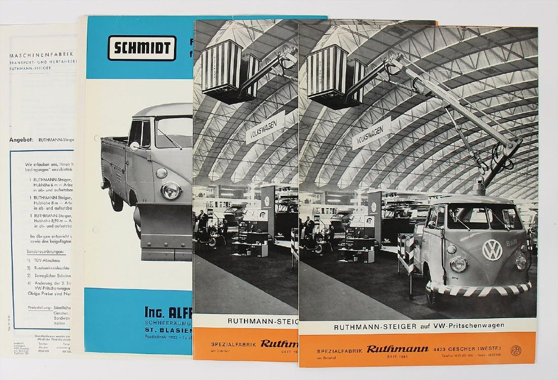 VOLKSWAGEN mixed lot with 8 pieces, among it fold-out