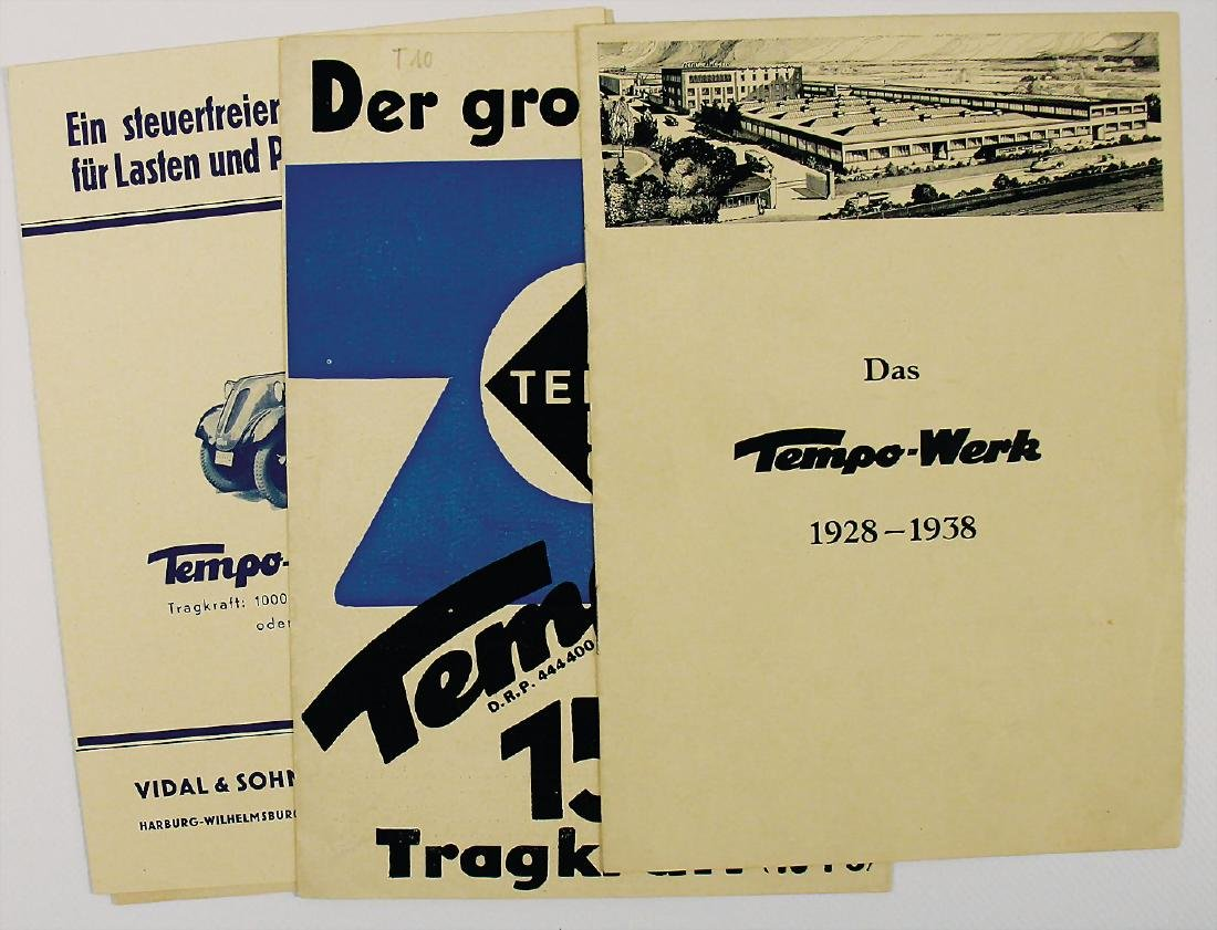 TEMPO sales folder, inside lying with fold-out brochure