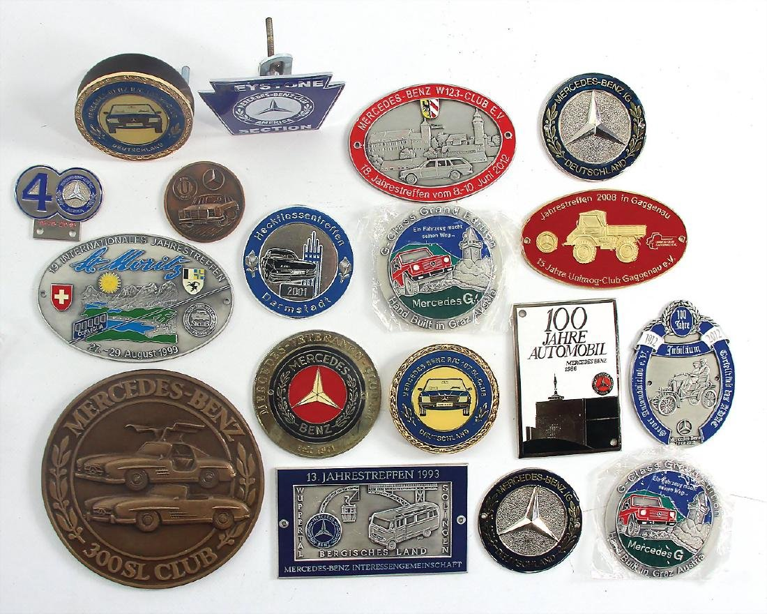 MERCEDES-BENZ mixed lot of 18 badges among it