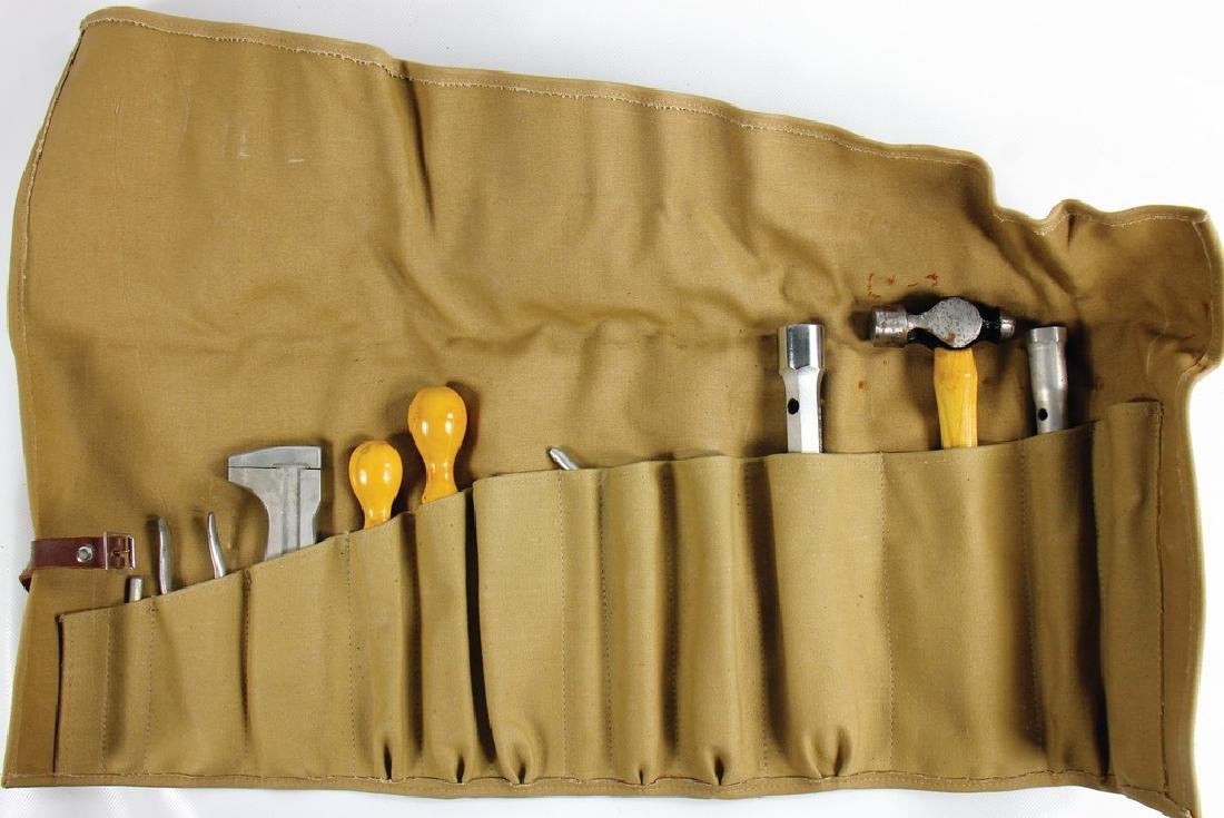 this mixed lot consists of toolbags and tool flap for - 2