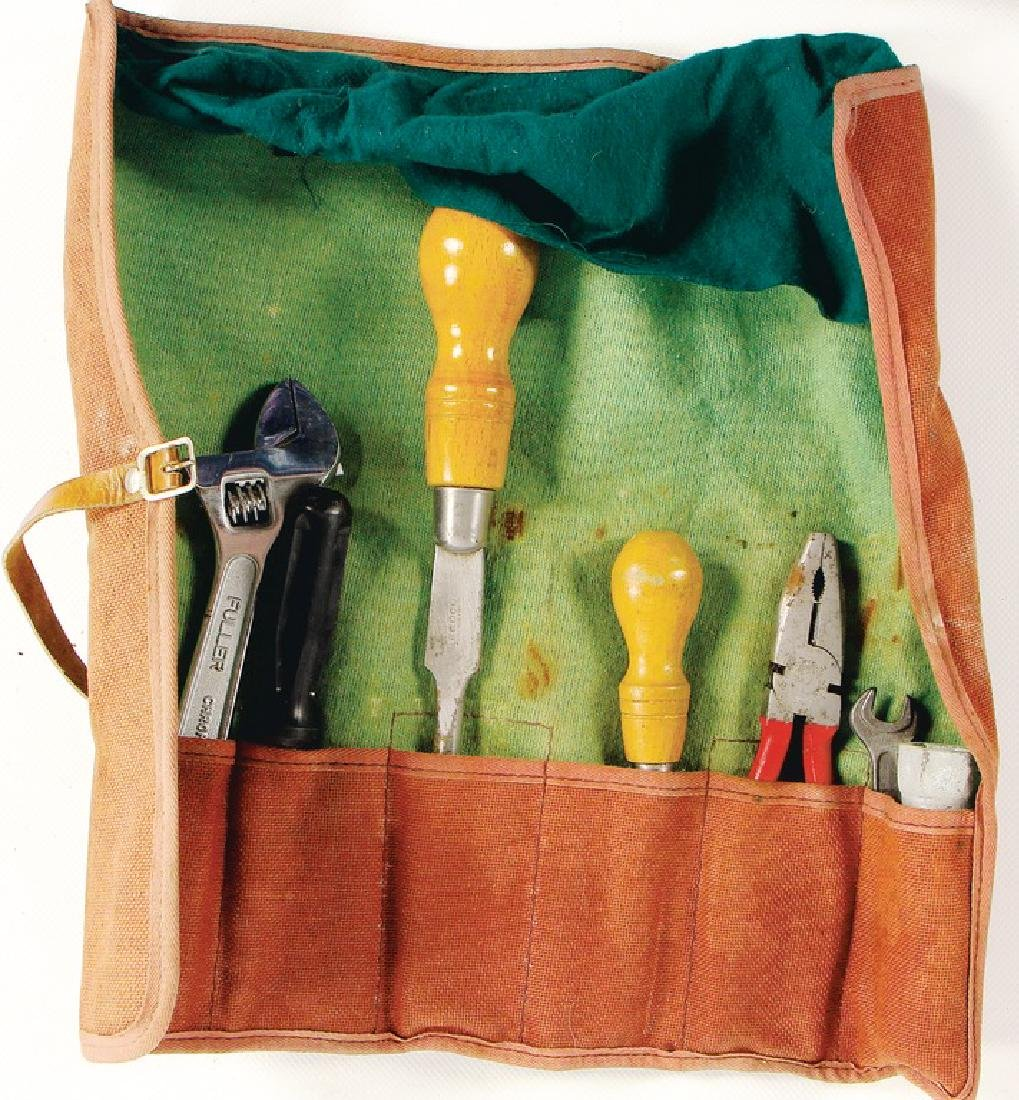 this mixed lot consists of toolbags and tool flap for - 3