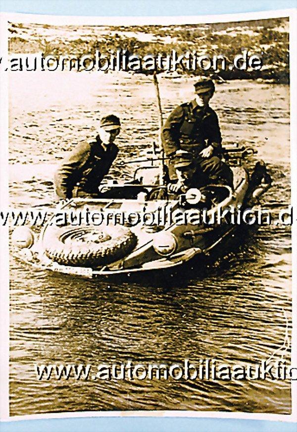 984: original-photo, 18 cm by 24,5 cm, VW, Schwimmwagen