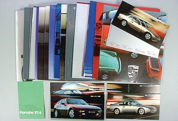 10002: PORSCHE, mixed lot of catalog and brochures, 24