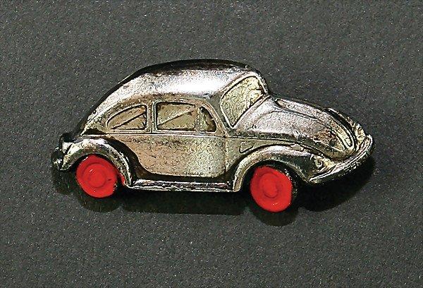 2498: small pin, VW Beetle, '50s   German Description: