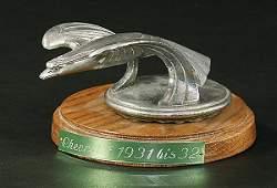 2555 CHEVROLET radiator mascot eagle 193132 chromi