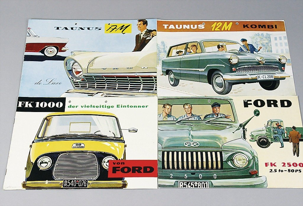 15: FORD mixed lot of 14 sales brochures and catalogs,