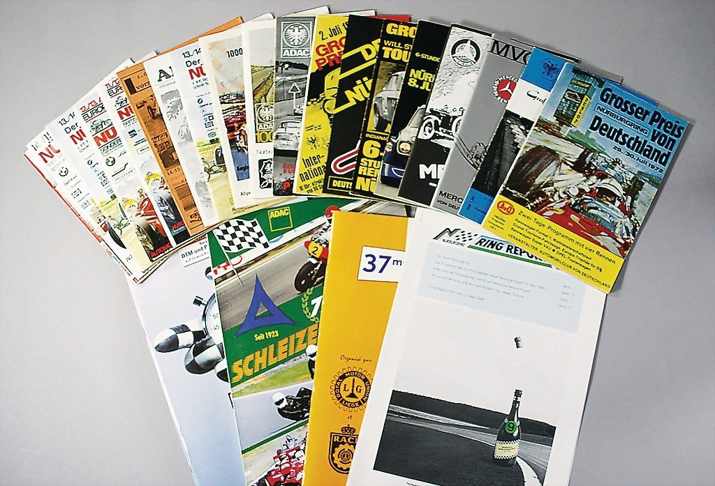 111: mixed lot 24 pieces, programmes between 1955 and e