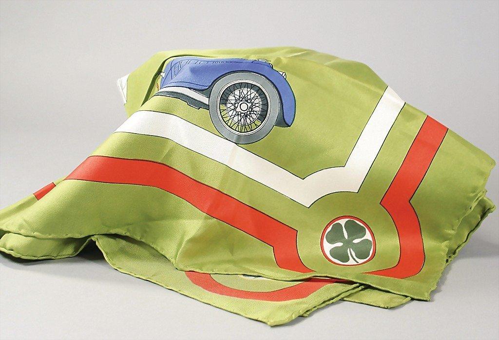 1822: ALFA ROMEO silk scarf with motives: 8C 2900 und 1