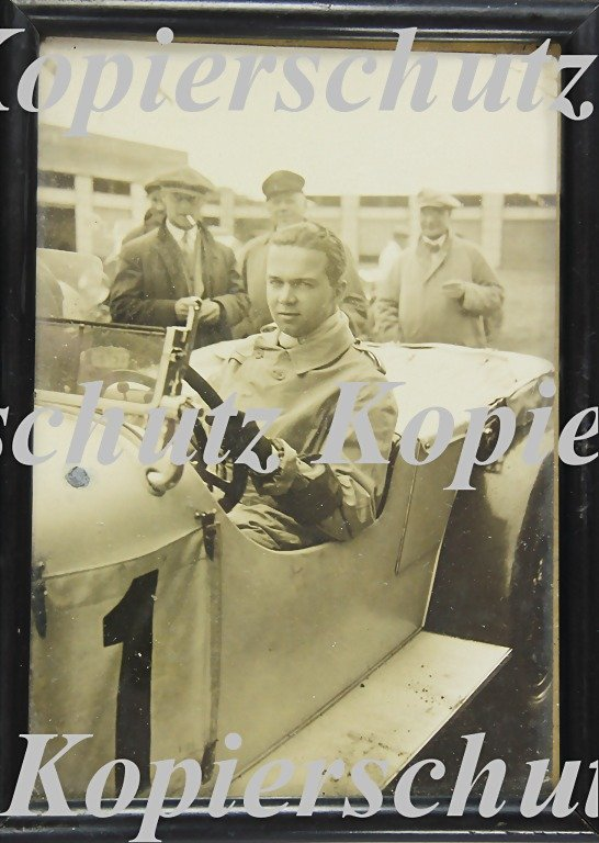 5014: RUDOLF CARACCIOLA, original B/W photo, framed, Nü