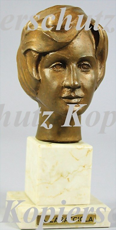 5018: ALICE CARACCIOLA, bronze bust on a marble base, (