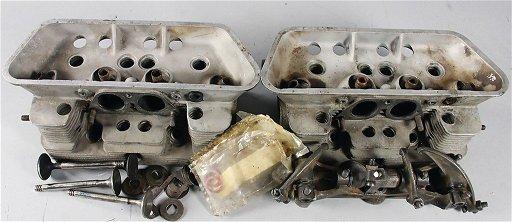 PORSCHE 2 cylinder heads 616 104 301 03 with 4 valves,
