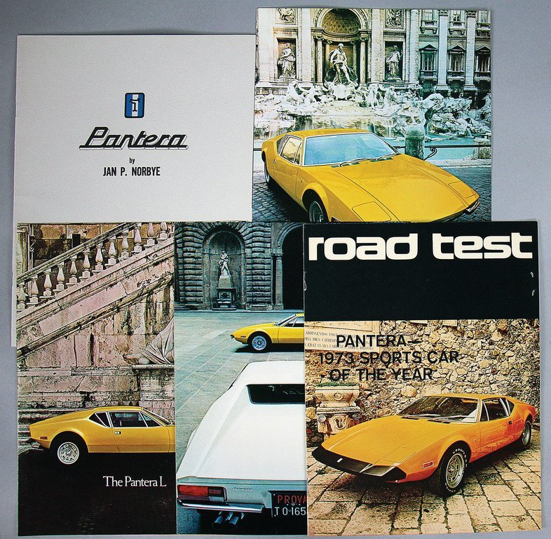 DE TOMASO Mixed lot with 5 pieces, among them fold-out