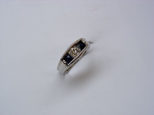 1013: Diamant-Saphir-Ring