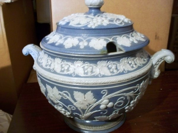 1: Blue and White Greek Tureen, marked grfsnassova