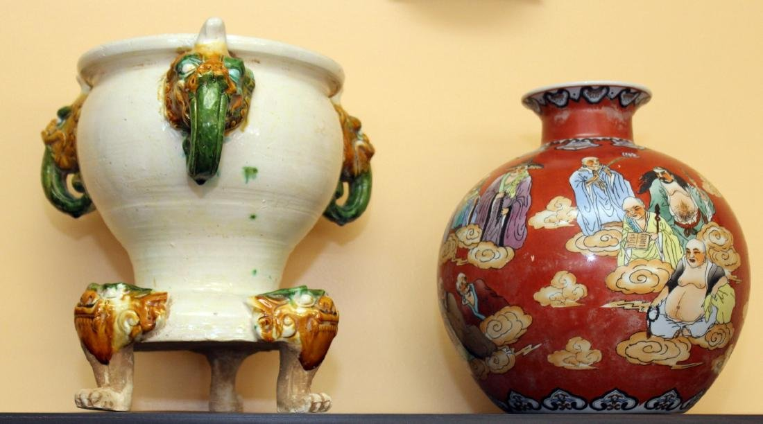 """Chinese gourd vase 10.5"""" x 10.5"""" depicting wisemen and"""