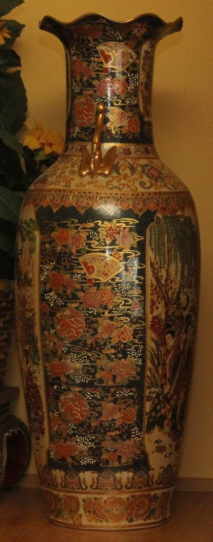 Large Chinese temple vase w/scene of garden - 2