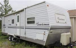 2004 Coachmen 26' camping trailer with slide out nice