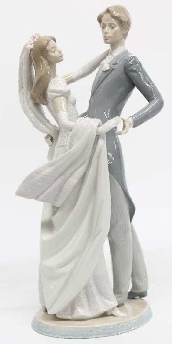 "Lladro figurine ""I Love You Truly"" 1528, 14.5"" h x 6"""