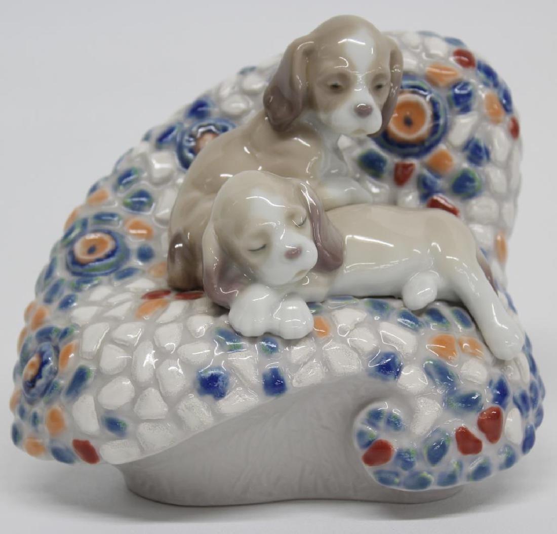 "Lladro figurine ""In Barcelona"", 5.5"" long x 4.5"" high,"