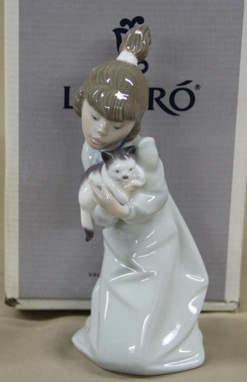 Lladro porcelain Sleepy Kitten #5712, original box
