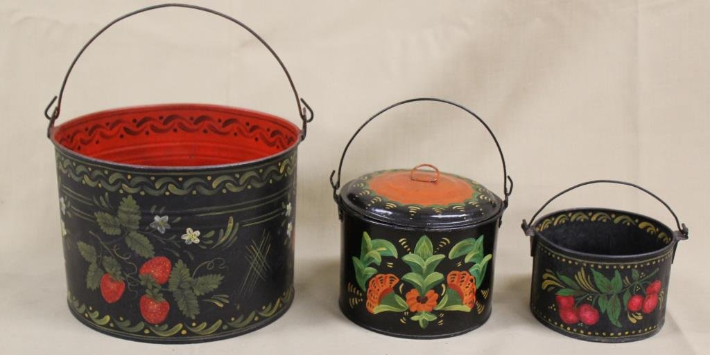 """(3) Toleware berry pails (1 with lid), 7.25"""", 5"""""""