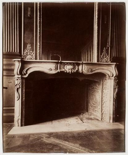 110B: Eugene Atget (1857-1927); Hotel de Lauzon, quai d