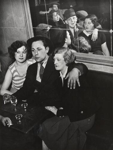 1: Brassaï (1899-1984) Groupe Joyeux au Bal Musette,