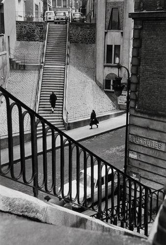 9: Alfred Eisenstaedt (1898-1995) Left Bank Street Sc