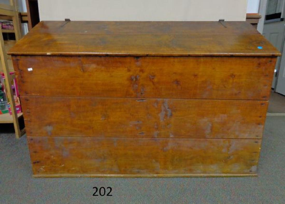 Antique Wooden Feed Bin Oct 28 2017 Dotta Auction Co Inc In Pa