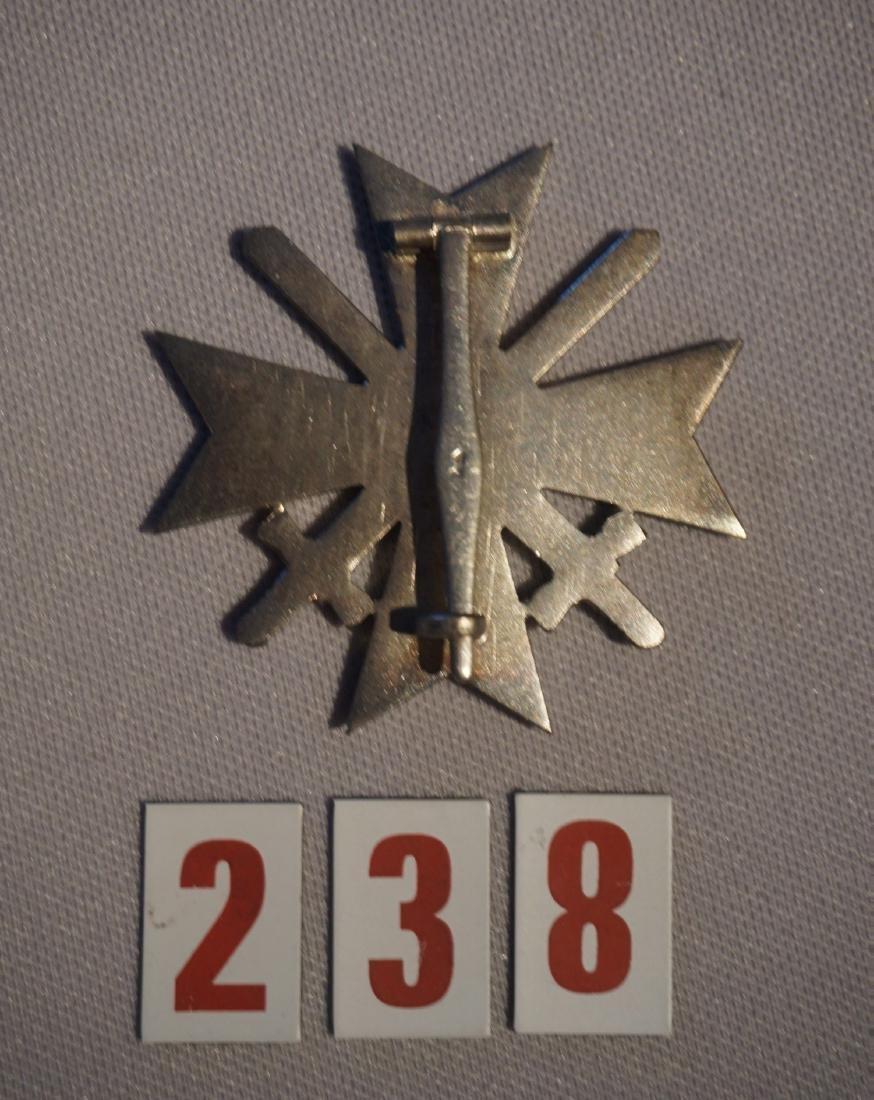CASED WAR SERVICE CROSS 1ST CLASS BADGE, - 4