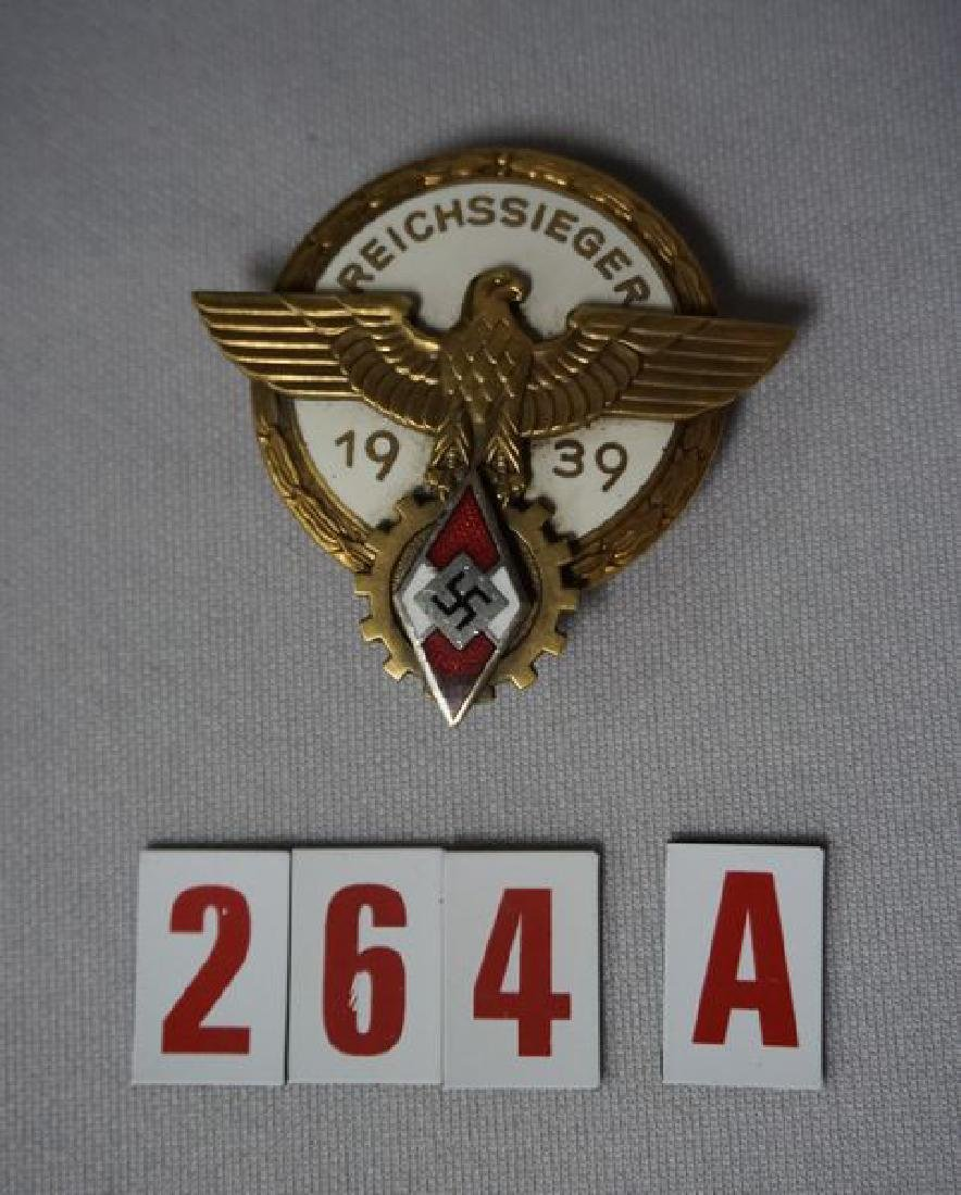 REICHSSIEGER BADGE, GOLD FINISH