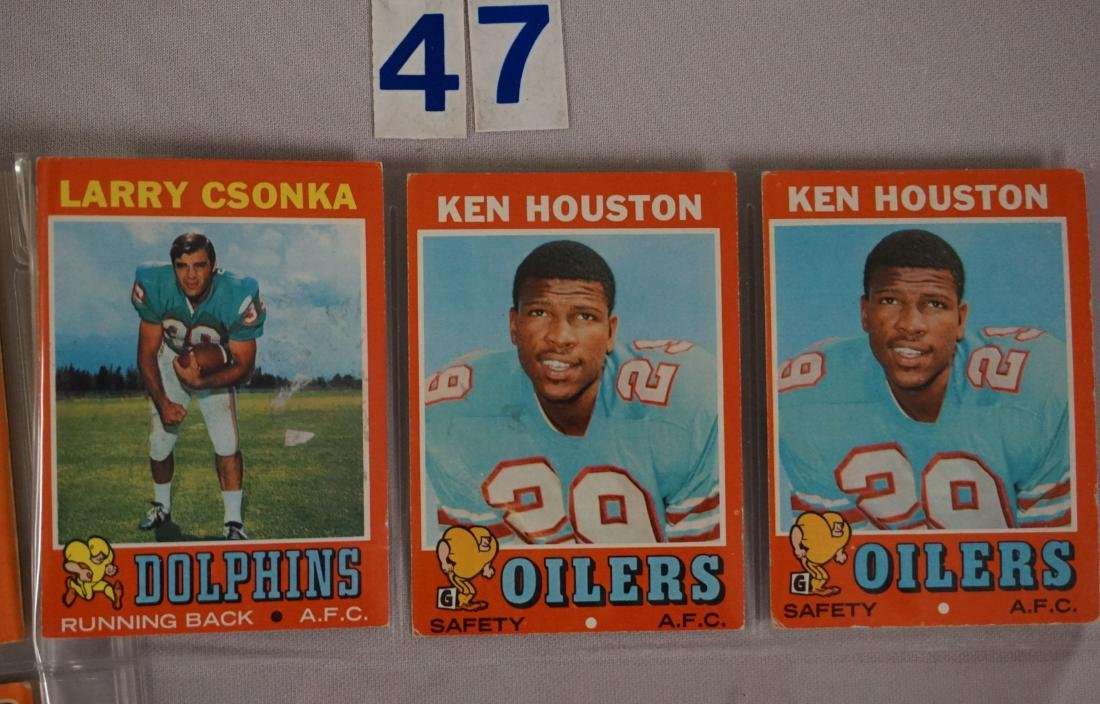 (34) 1970 TOPPS FOOTBALL CARDS - 7