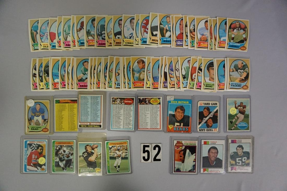 (75) 1970 TOPPS FOOTBALL WITH SAYERS,