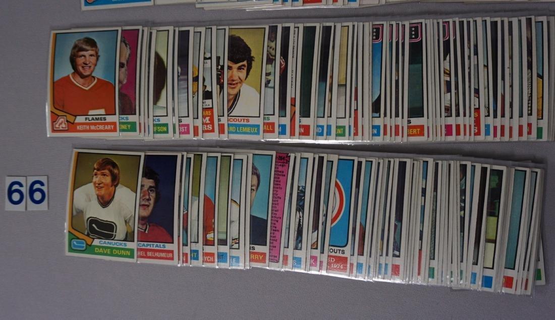 1974-'75 TOPPS HOCKEY NEAR SET - 3