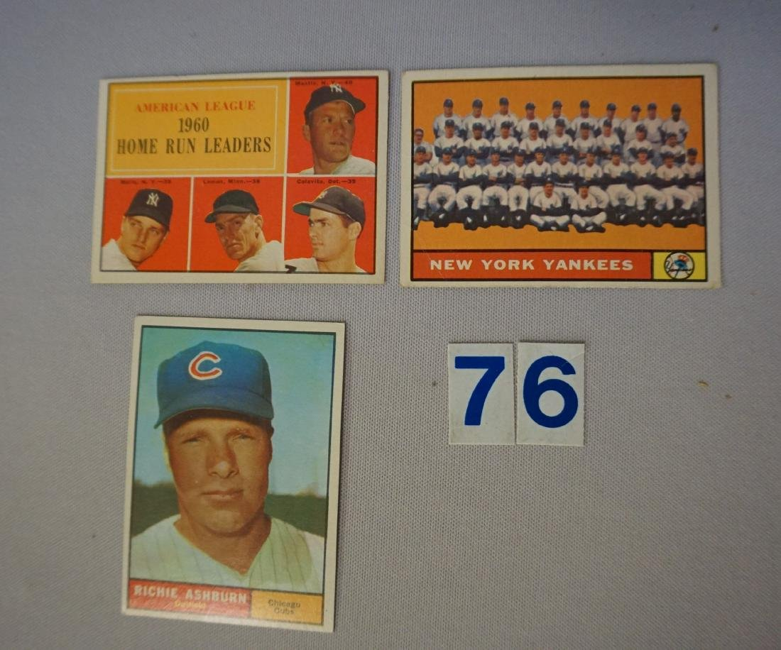 1961 TOPPS #44 WITH MANTLE & MARIS