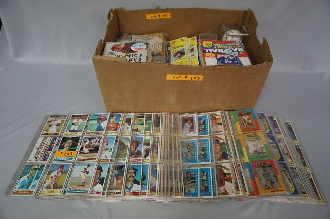 LARGE LOT OF 1980'S BASEBALL CARDS