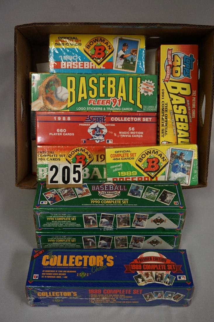 BOX WITH (13) ASSORTED BASEBALL CARD