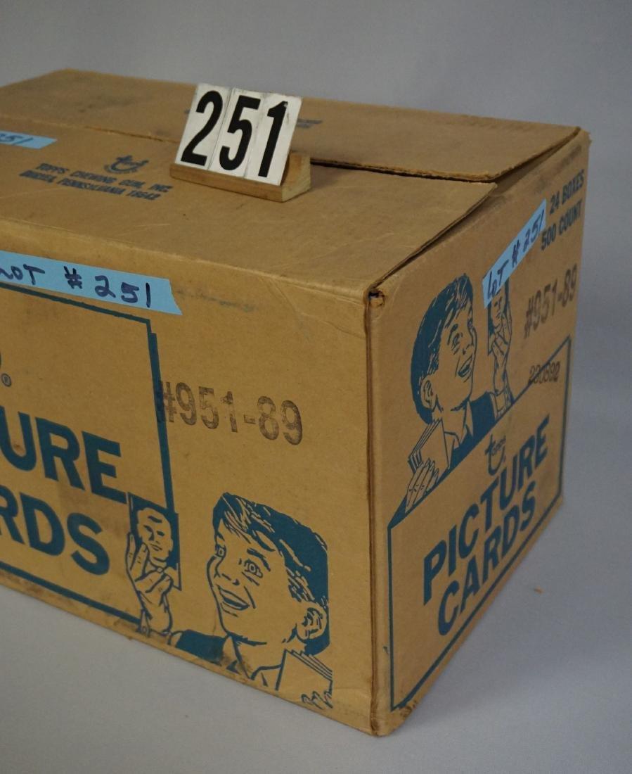 CASE OF 1989 TOPPS BASEBALL VENDOR - 2