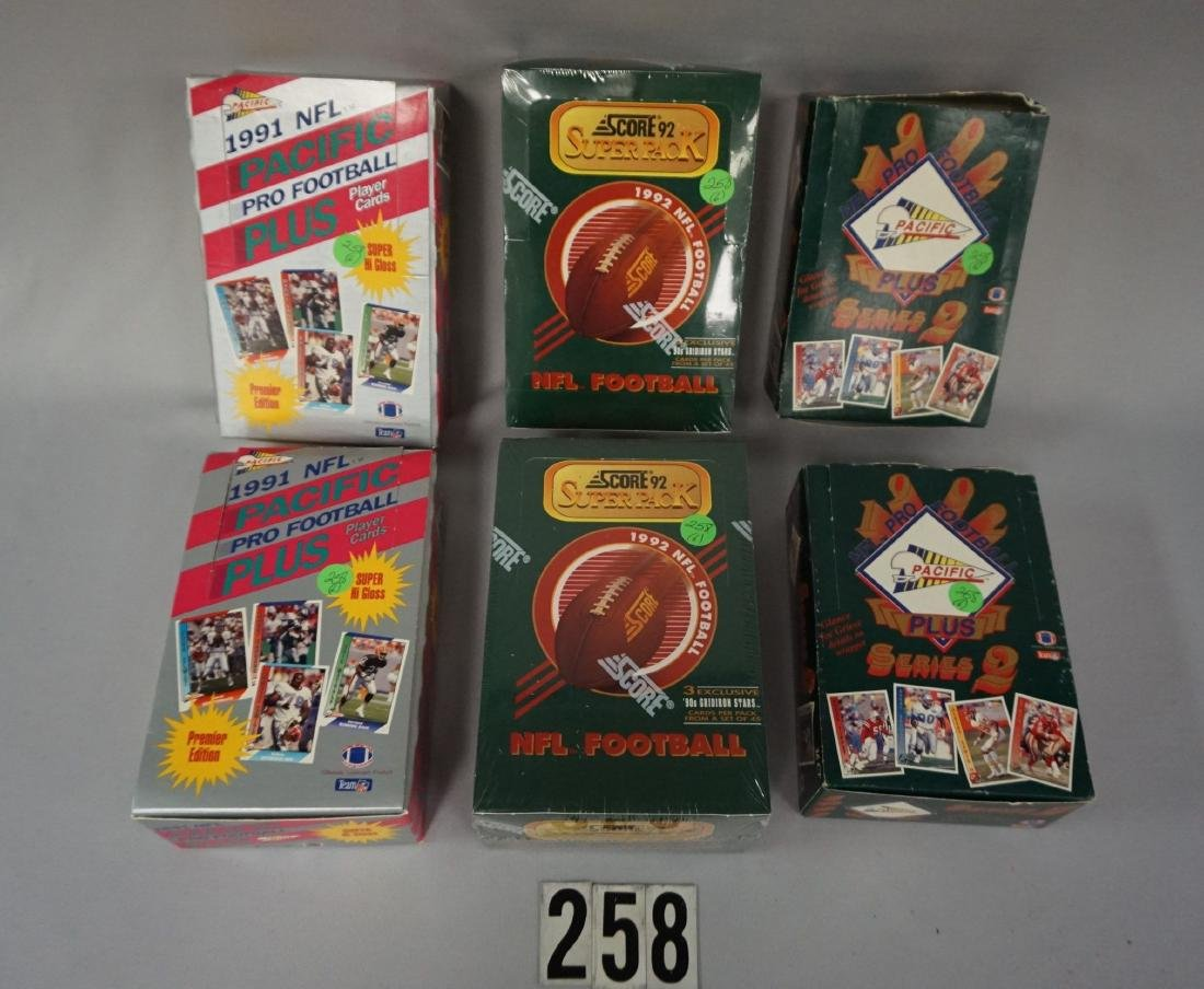 (2) 1992 SCORE FOOTBALL SUPER PACK BOXES,