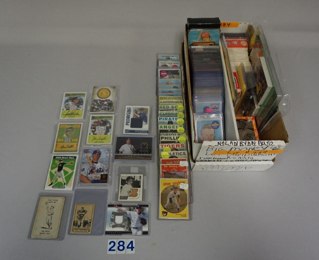 TWO-ROW BOX WITH AUTOGRAPHED CARDS