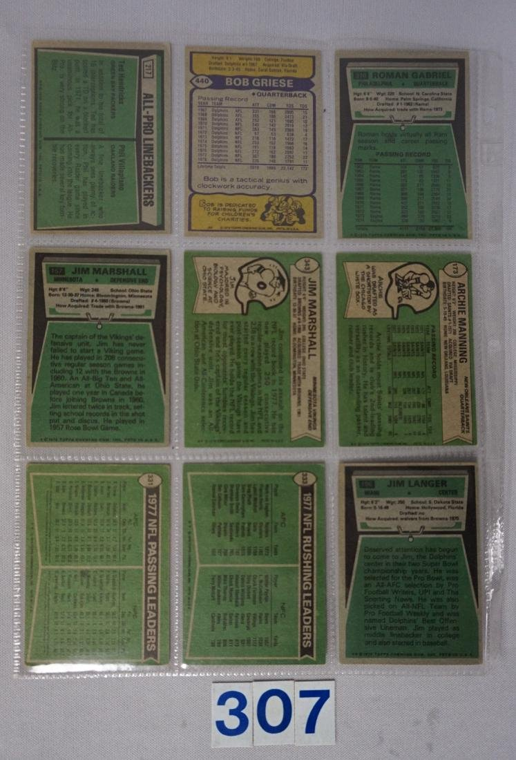 1970'S TOPPS FOOTBALL CARD LOT: - 4